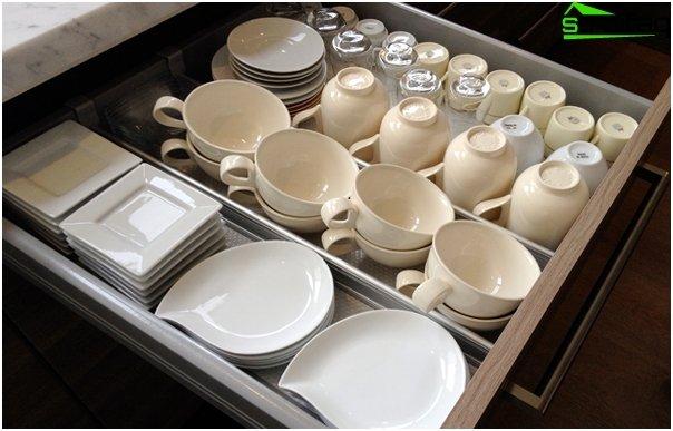 Ikea - 2: n laatikot keittiönkalusteiden laatikoihin