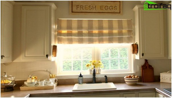 Foto von römischen Vorhängen in der Küche - 2