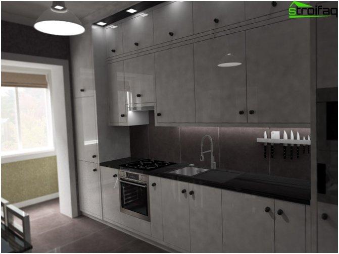 La distribución de la cocina combinada con un balcón.