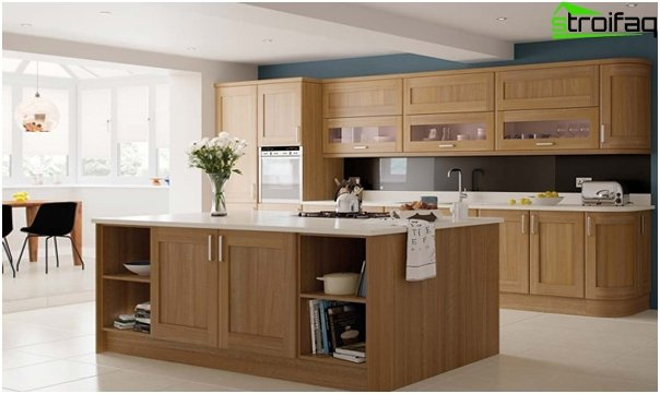 Kitchen in bright colors-3