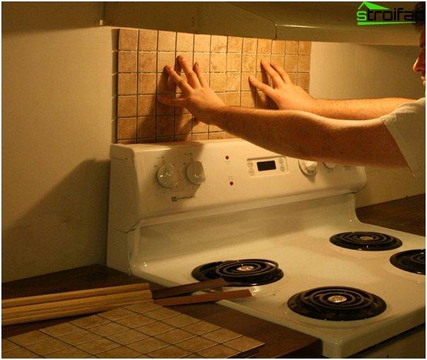 กระเบื้องในการตกแต่งภายในของห้องครัว (ด้วยมือของคุณเอง) - 2