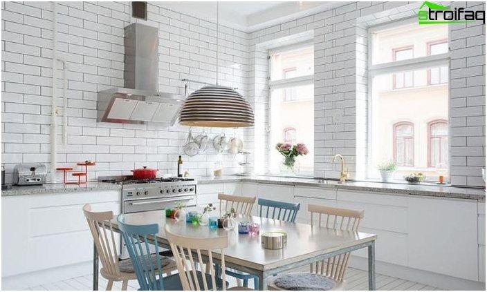 Spisebord i køkkenet: foto 3