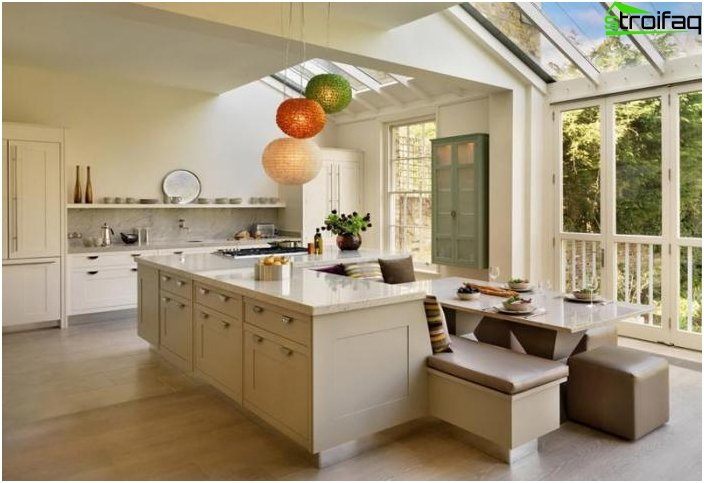 Spisebord i køkkenet 2