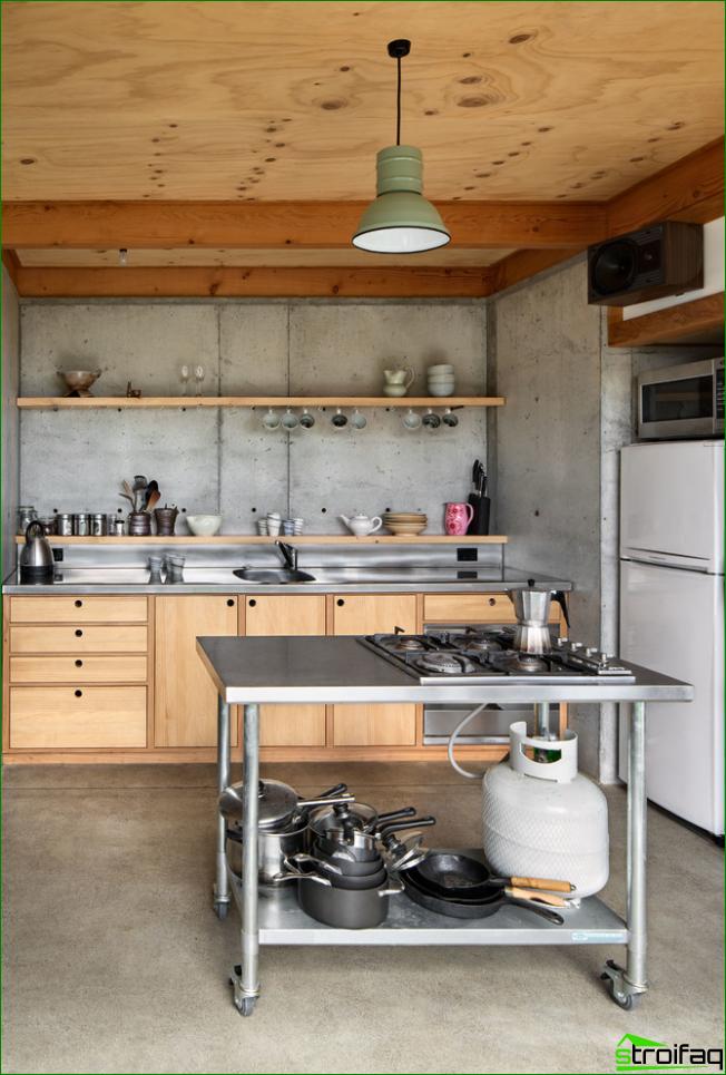 Pienten keittiöiden omistajilla on tuskin varaa keittiöön ilman yläkaappeja