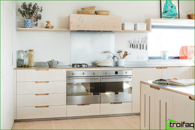 Skandinavian suuntaan löydät myös keittiöt ilman yläkaappeja.