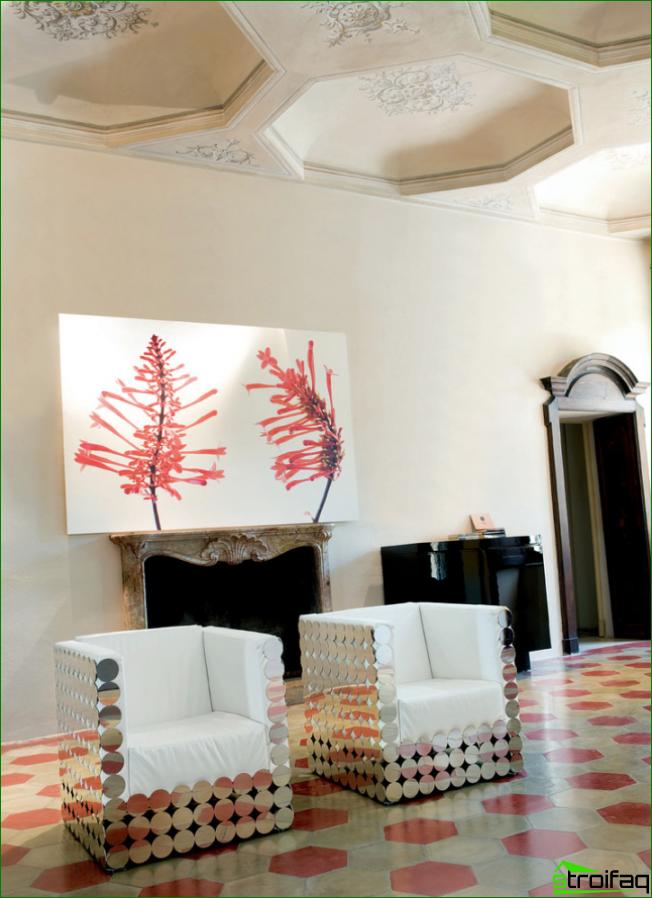 Espejos originales en sillones de estilo art deco.