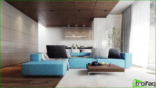 Combinación armoniosa de tonos cálidos y fríos en la sala de estar.