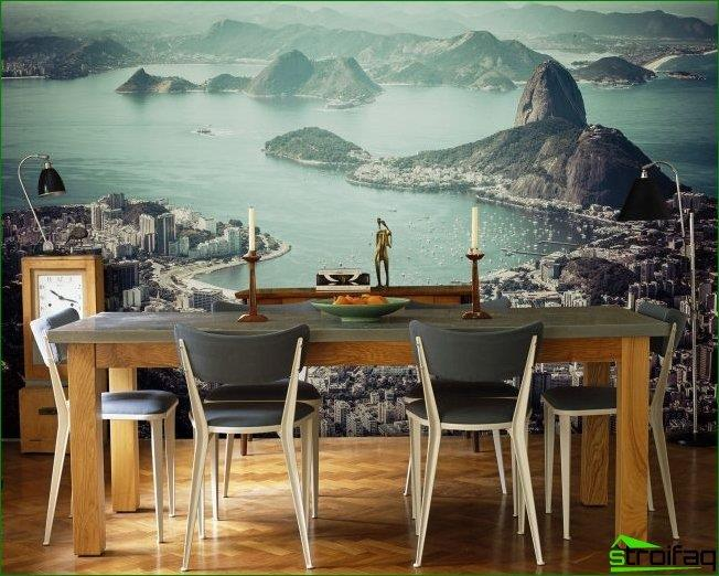 Beautiful murals in the dining room expand the space