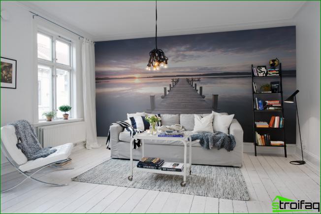 La máxima expansión del espacio con la ayuda de paneles de pared y un color brillante de la habitación.