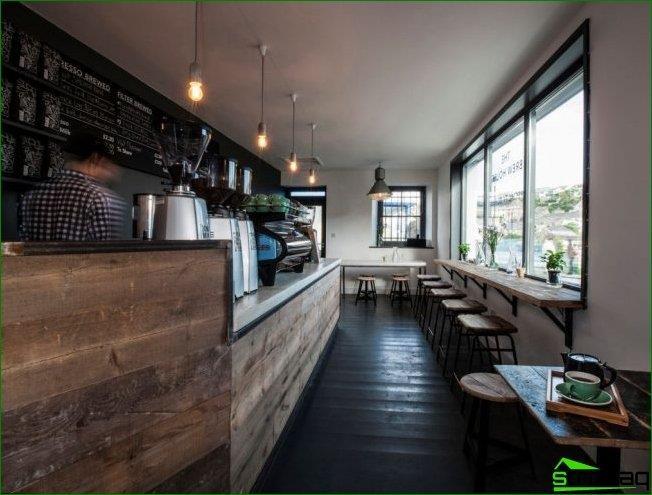 Pequeña cafetería tipo loft