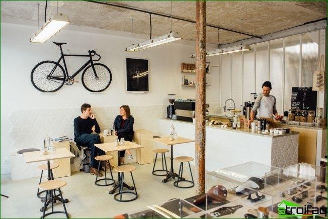 Minimalismo escandinavo en el diseño de una cafetería moderna.