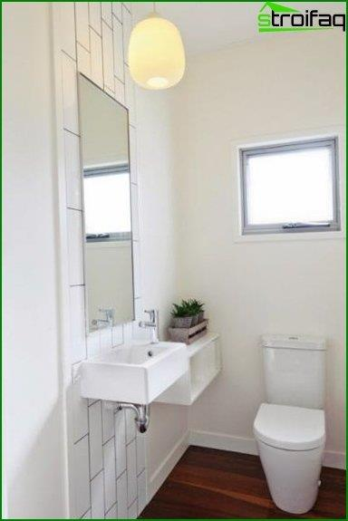 Photos of the interior of the toilet 3