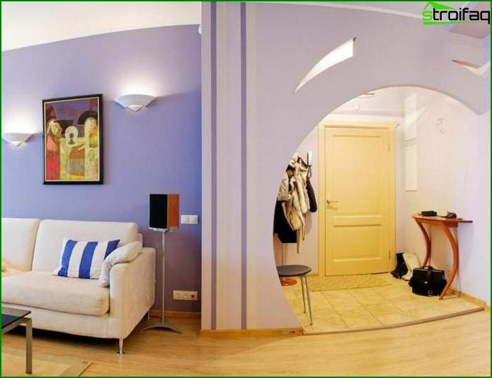 Hallway with arch