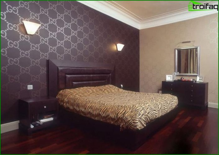 The combination of 2 types of wallpaper in the interior of the bedroom 4