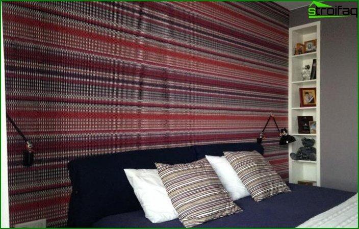 Papel pintado a rayas en el interior de la habitación 4