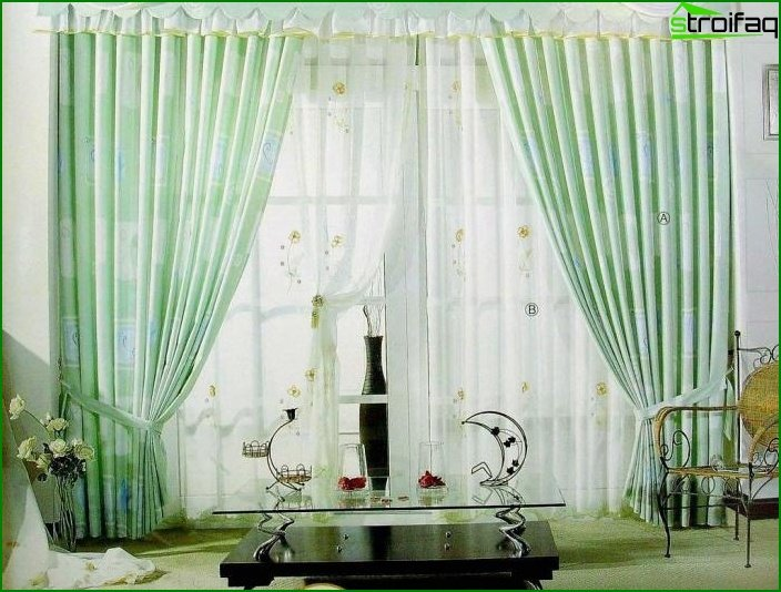 Curtains in the design of the hall 1