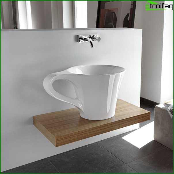 Conventional bathroom sink - 1