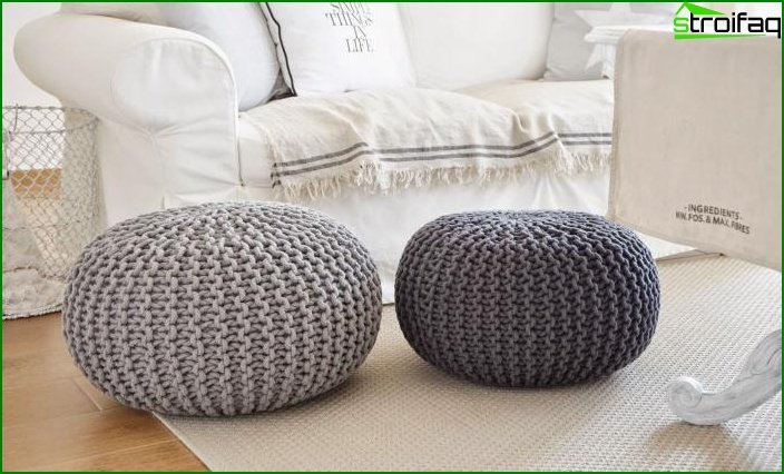 Knitted pouffes in the interior 4