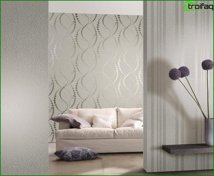 Two-tone wallpaper in the interior 5