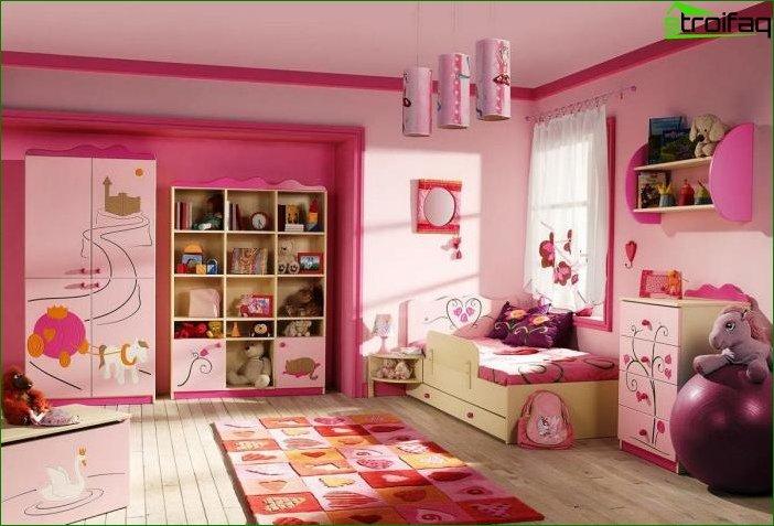 Foto de una habitación infantil para una niña 2