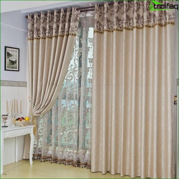 Fashionable curtains for the bedroom