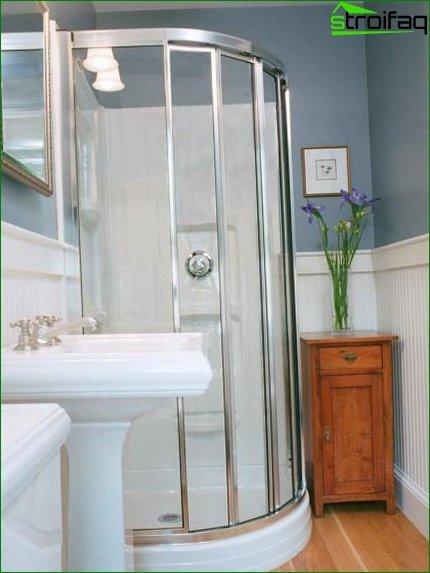 Unmatched bathroom in Khurshchevka