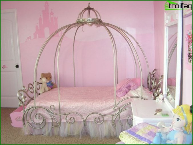 غرفة وردية لفتاة عمرها 12 سنة
