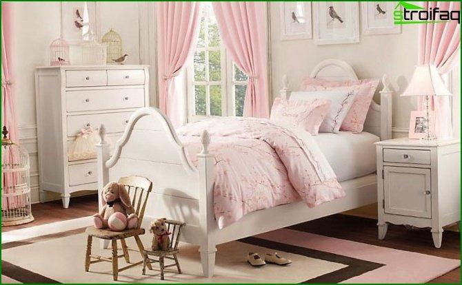 غرفة نوم الأطفال الوردي