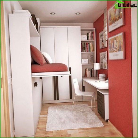 Bedroom in shades of red / purple - photo