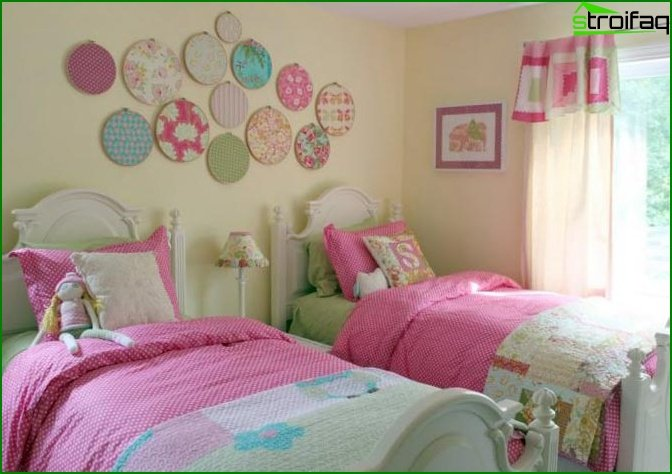 Bedroom in pink and purple shades - photo 2
