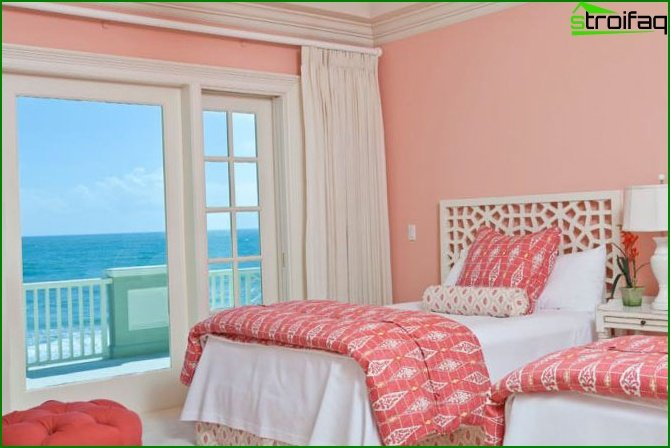 Bedroom with a separate balcony or loggia - photo 2