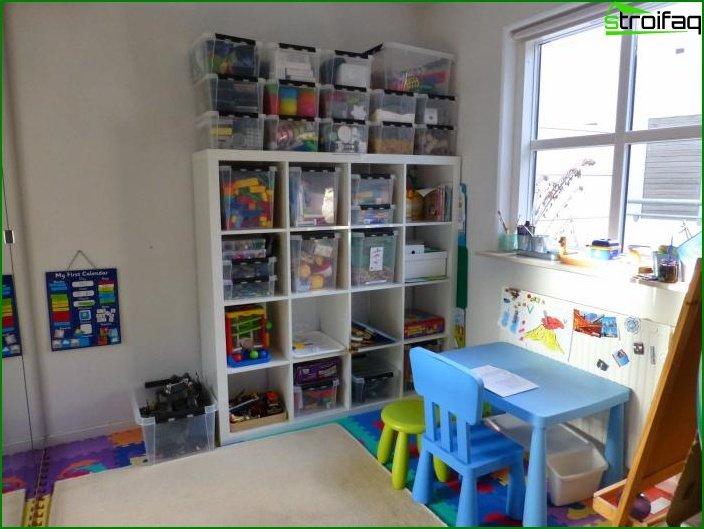 Mesa en la habitación del niño