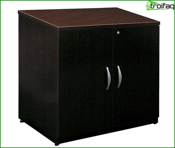 Office furniture (side tables) - 2