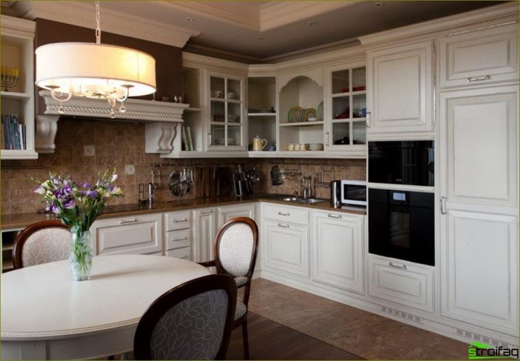 lyse kjøkken